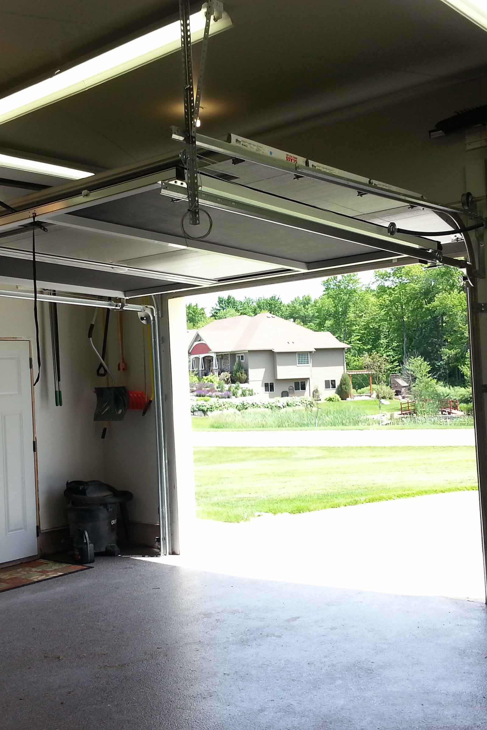 Lifestyle Garage Screens Minnesota Retractable Garage